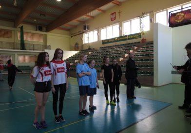 Turniej w Badmintonie Dziewcząt