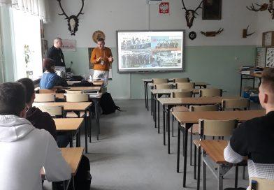 Dnia 26.02.2020 rok w ZSTiO odbyło się spotkanie uczniów klasy IV e z przedstawicielami Firmy LG Electronics z Mława